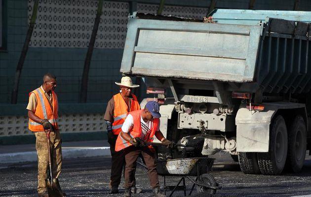 Mandar a una persona a asfaltar en alerta naranja es mandarlo a morir, la esclavitud está vigente en España