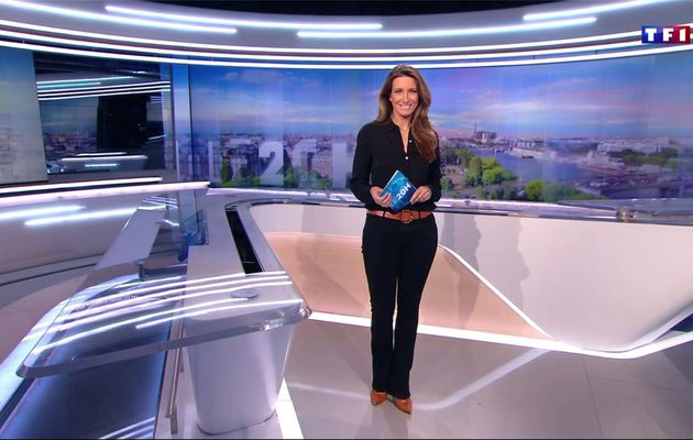 Anne-Claire Coudray JT 20H TF1 le 29.04.2017