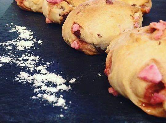 RECETTE ORIGINALE : Des petits pains aux pralines roses