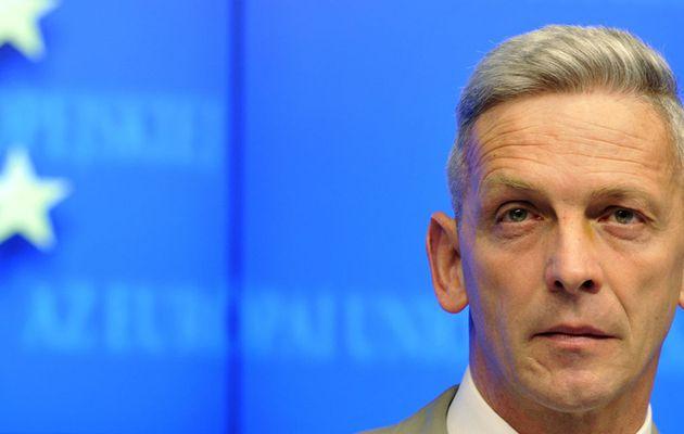 Polémique sur le budget de l'armée : Le général de Villiers, chef d'état-major des armées, annonce sa démission - Le général François Lecointre le remplace