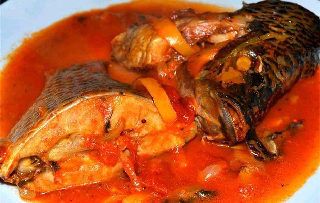 Poisson en sauce / Loku an sosi