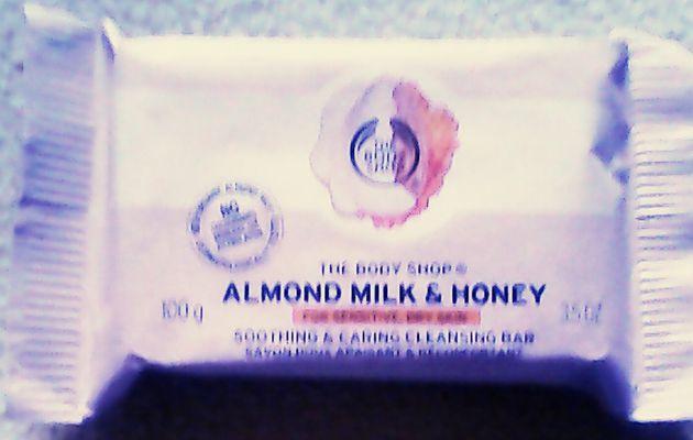 Gamme Almond Milk & Honey The Body Shop : le savon