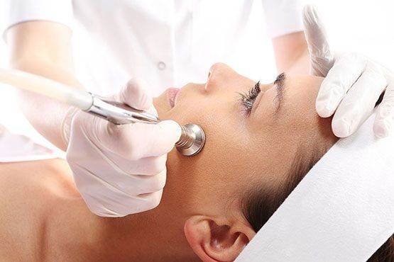 Dermabrasion vs Chemical Peel: Which Is Better