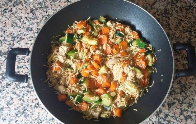 Wok de poulet et légumes