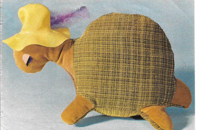 Grosse tortue en tissu..et des souris