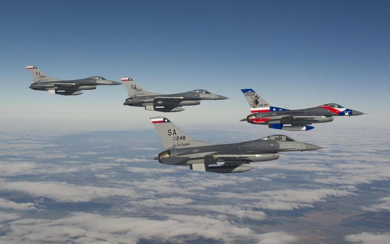 L'US Air Force passe la durée de vie de ses F-16C/D Block 40/52 de 8 000 à 12 000 heures de vol