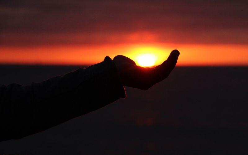 Dans ta main, la lumière