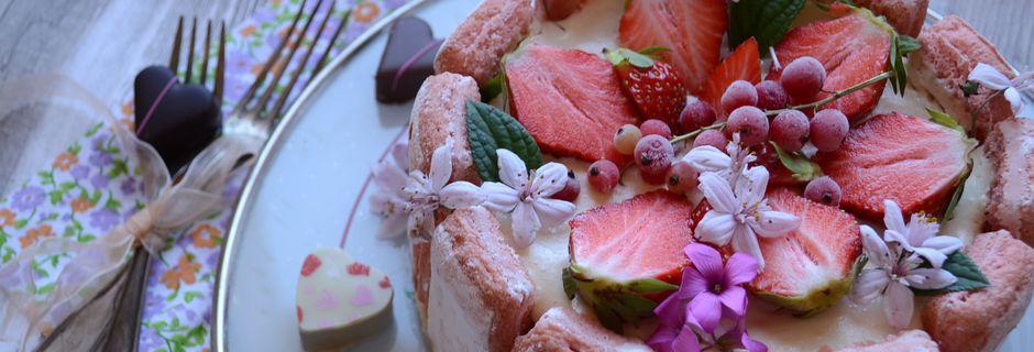 Charlotte Tiramisu aux fraises #Jours Heureux