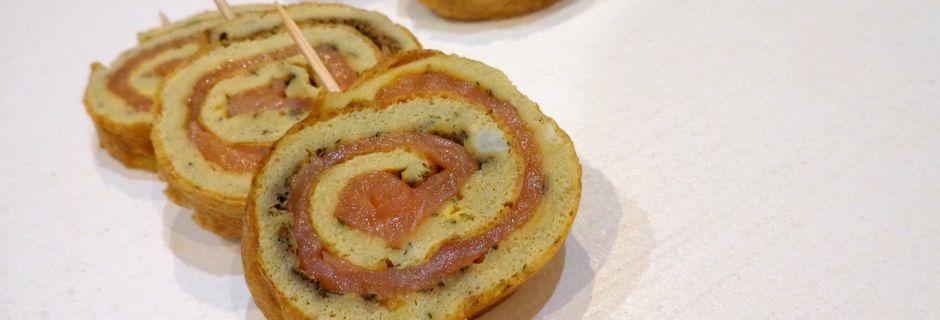 Omelette à l'aneth roulée au saumon
