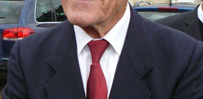 Georges OSTROWSKI, membre de la section UNP 010 Ain a participé au record du monde de vol relatif à 130 parachutistes