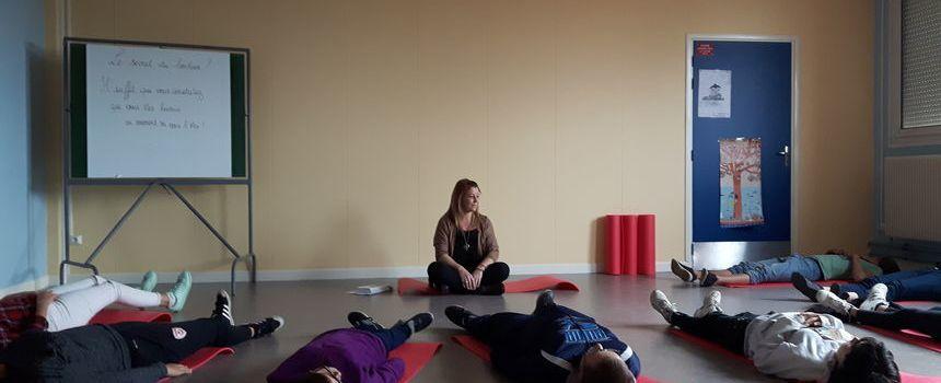 Quand la méditation remplace la colle!