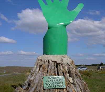 Rêve : La main verte refermée, menace nucléaire ?