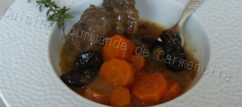 Joue de boeuf aux carottes et aux pruneaux