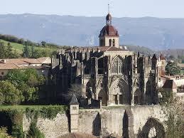 Saint Antoine l' Abbaye (38) et les fêtes médiévales.