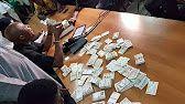 Bamba Fall et Barthélémy Dias arrêtent deux jeunes avec des milliers de cartes d'électeurs